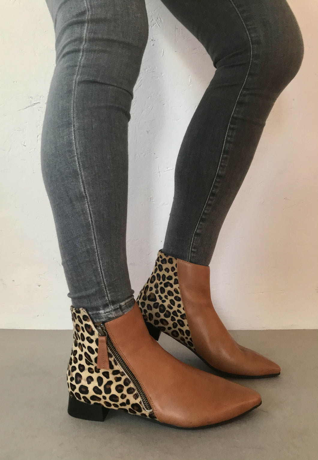brown ankle boots bueno