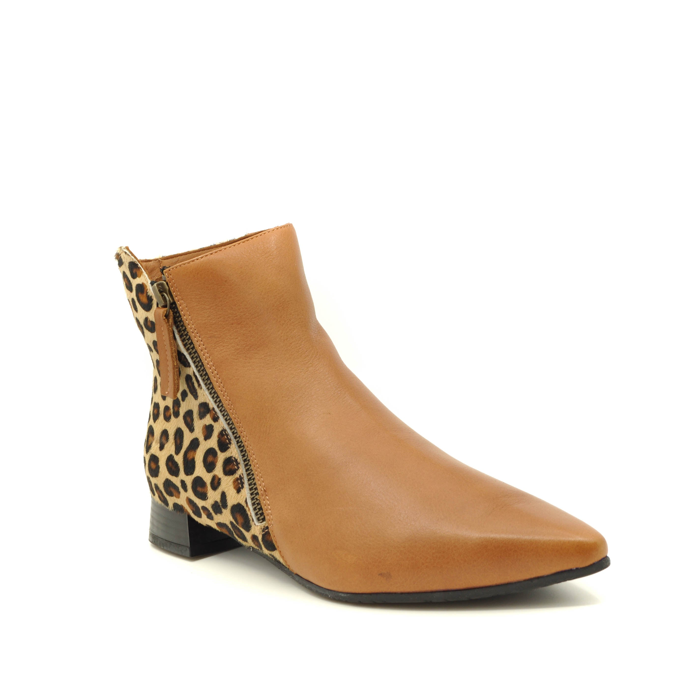 tan ankle boots bueno