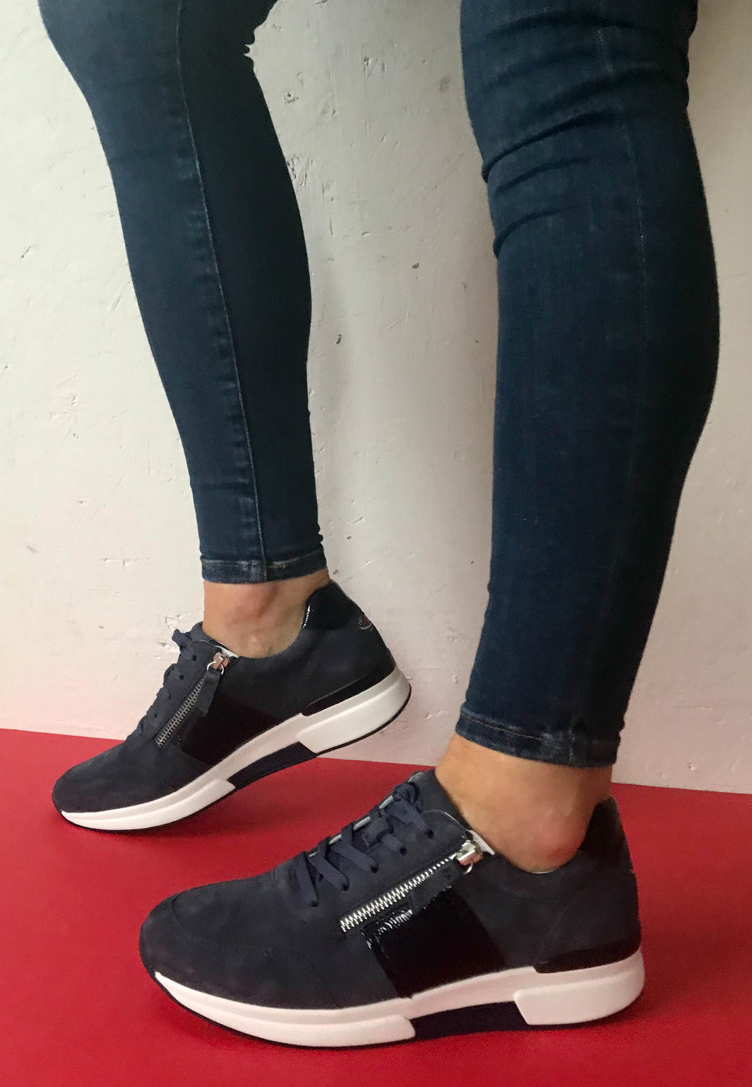 rolling soft shoes navy