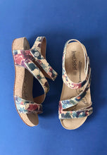 Load image into Gallery viewer, ladies sandals josef seibel