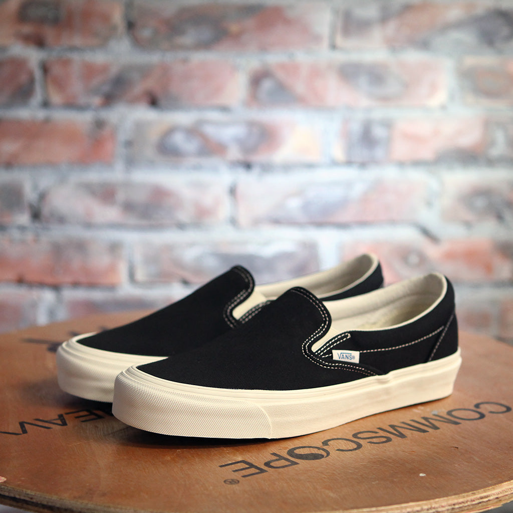 Vans OG CLASSIC SLIP ON - BLACK