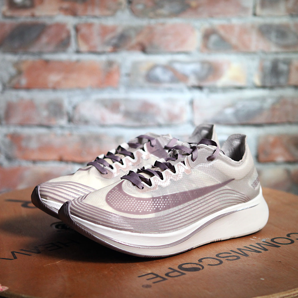 Nikelab ZOOM FLY SP - TAUPE GREY