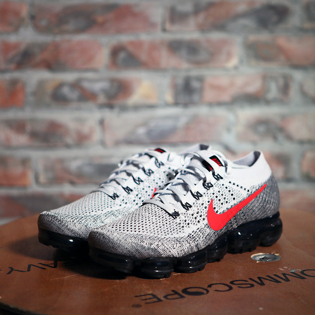 Nike Air VAPORMAX FLYKNIT - Grey/Red