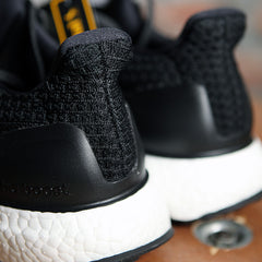 adidas UltraBOOST 4.0 -  Black/White