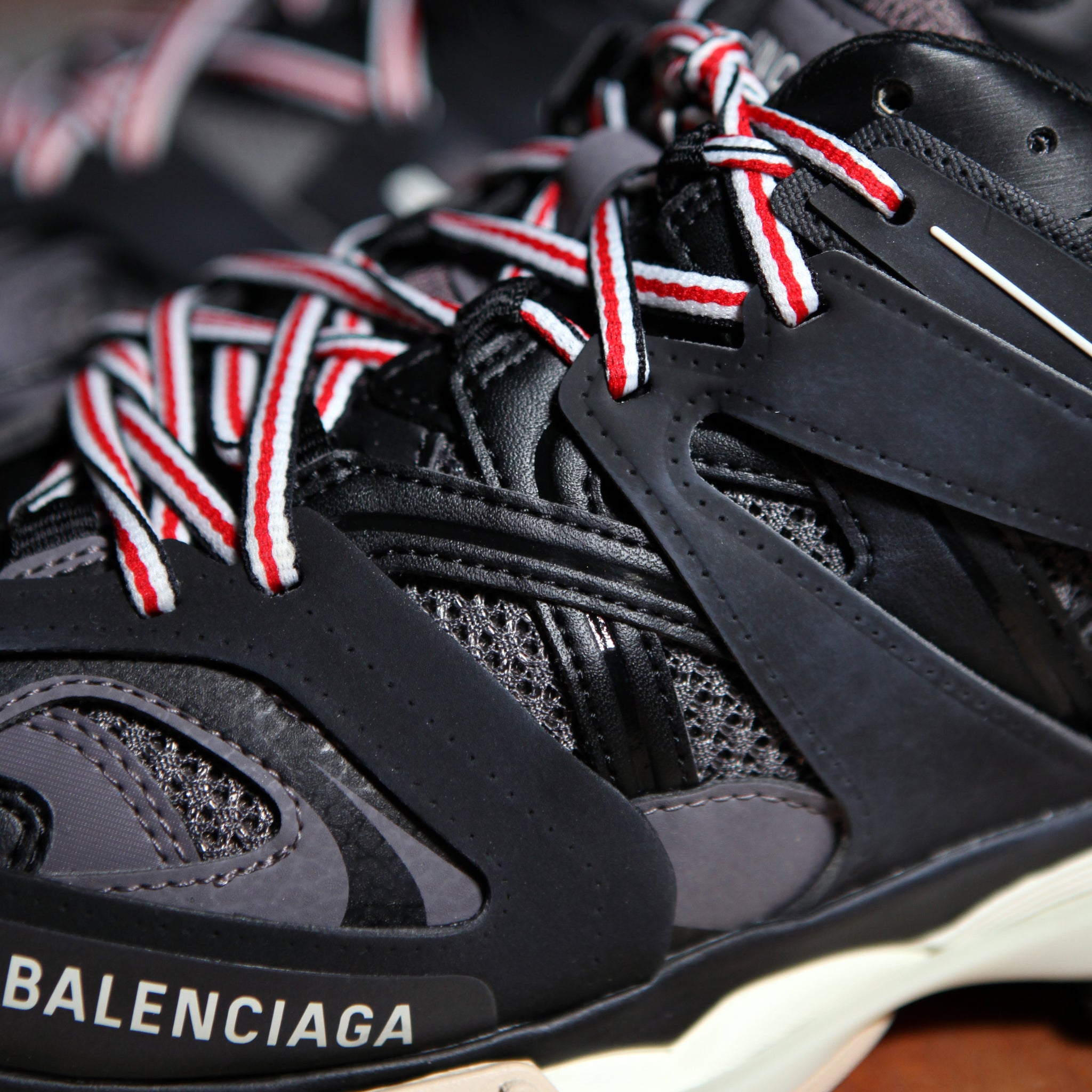 Balenciaga TRACK Trainer  - BLACK/RED
