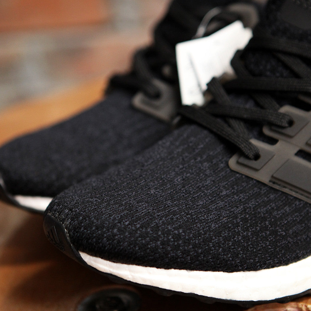 adidas UltraBOOST 3.0 - BLACK/WHITE
