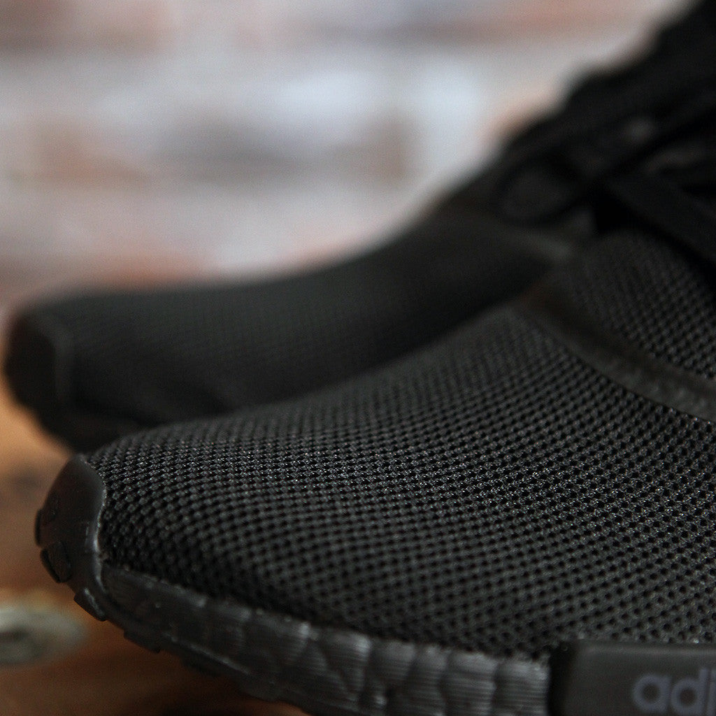 adidas Originals NMD_R1 - TRIPLE BLACK