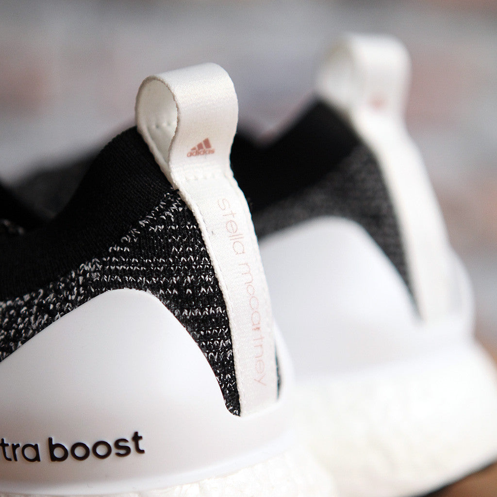 adidas Stella McCartney UltraBOOST X - BLACK/WHITE