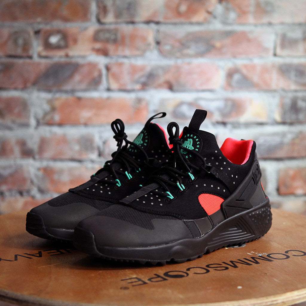 NIKE AIR HUARACHE UTILITY PRM - BLACK/RED