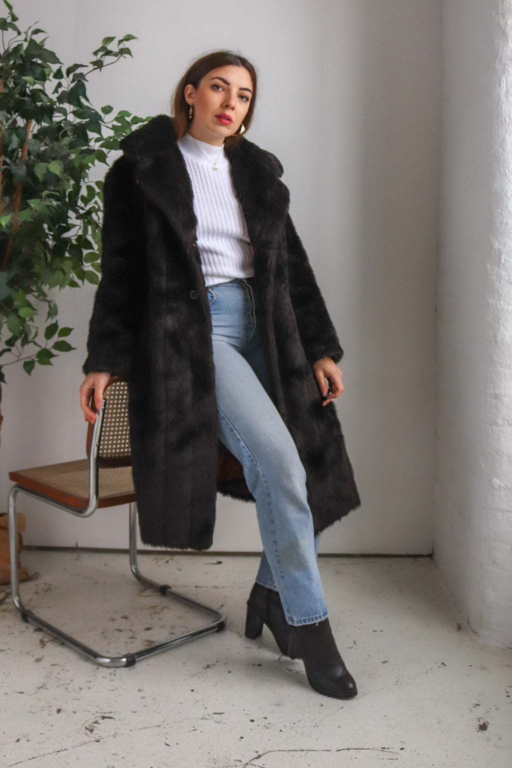 VintageFaux Fur Coat in Dark Brown - Dirty Disco