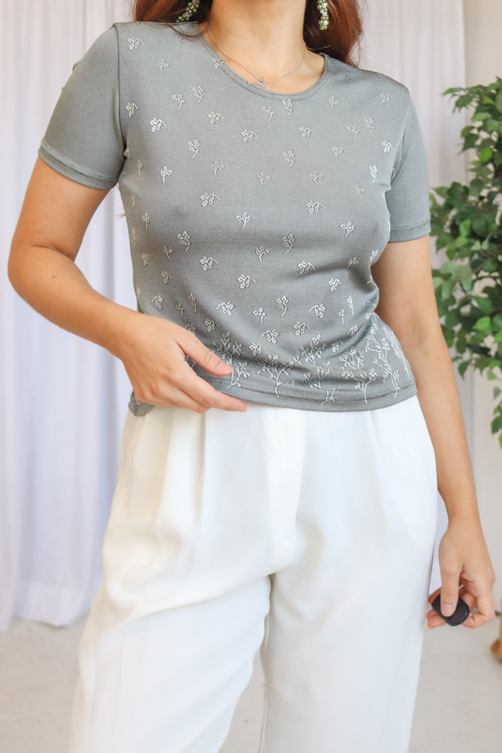 VintageFloral Embroidered T-Shirt in Silver - Dirty Disco