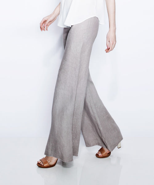 Mid Rise Wide Leg Pant w/ Finished Hem