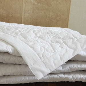 Love For White Summer Quilt/Bed Cover - White
