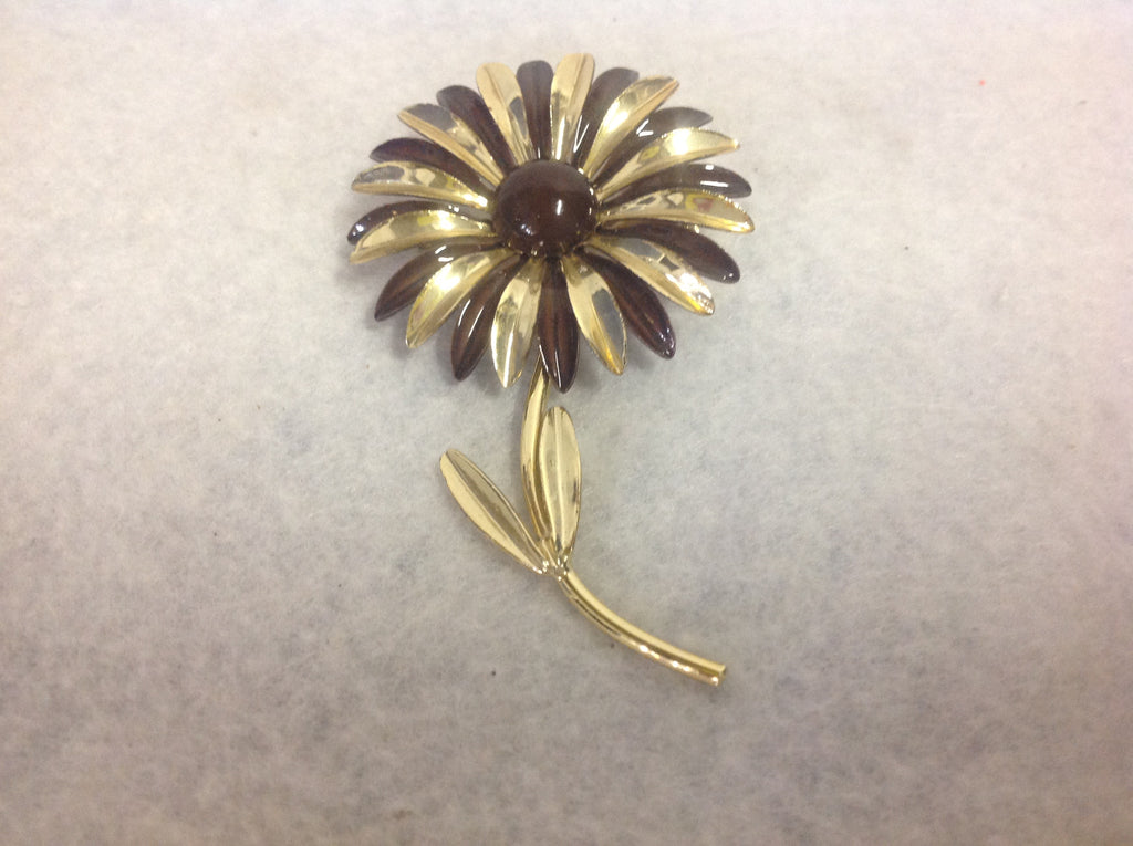 Vintage Gold Tone Metal and Brown Plastic Flower Brooch