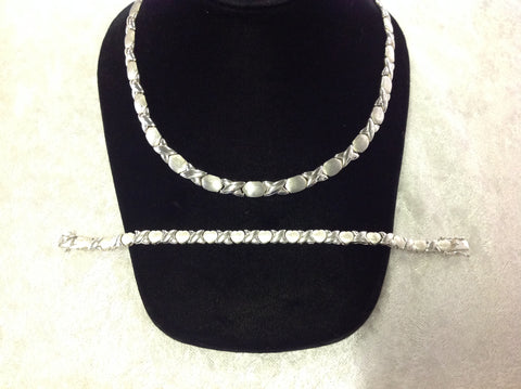Ladies Hugs and Kisses Sterling Silver Necklace and Bracelet