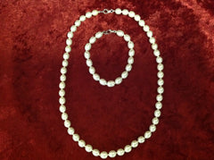 Fresh Water Oval Pearl Necklace and Bracelet Set