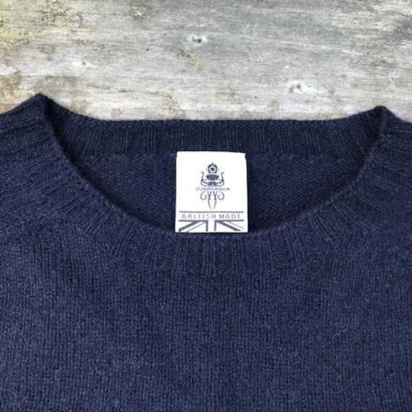 Beaufort Navy Sweater detail - Men's Clothes