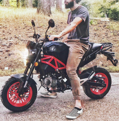 2020 Venom X21rs 125cc motorcycle with rider