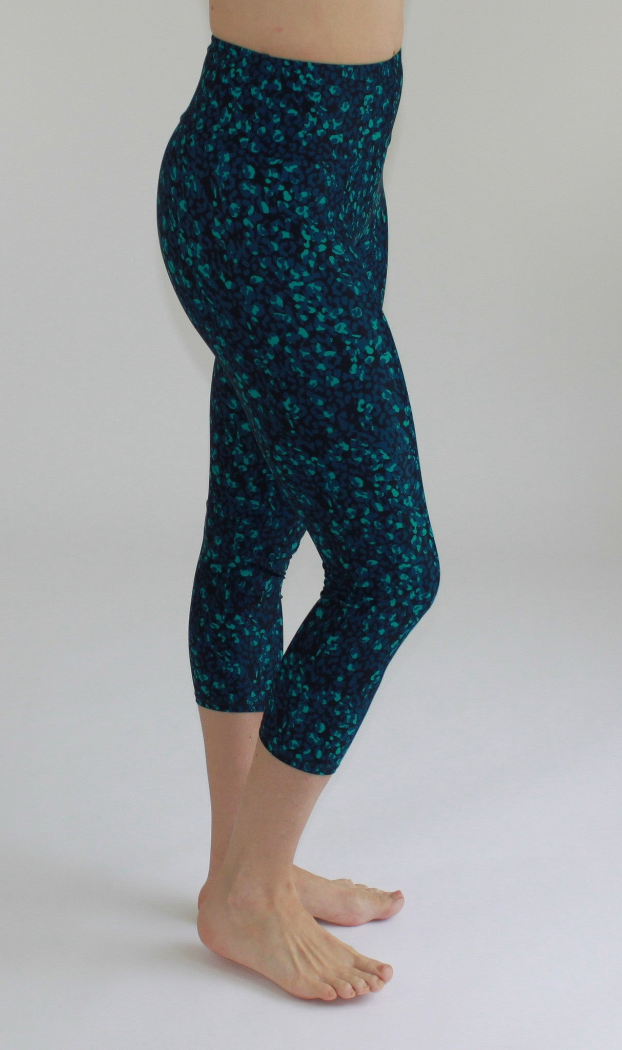 High-Waisted cropped Leggings Rain Forest Print