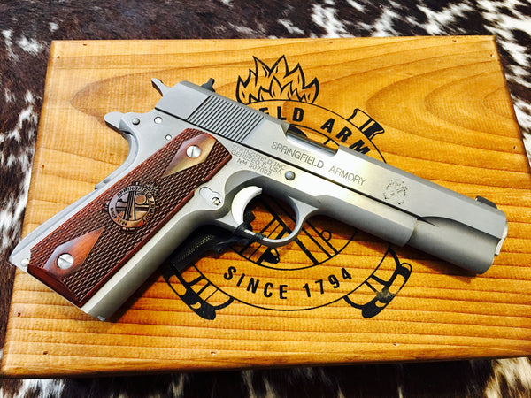 "SPRINGFIELD 1911-A1 MIL SPEC .45 STS 5"" with WOOD box set"
