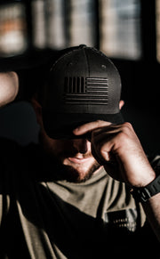 Signature 3D Flag Mesh Snapback Hat - Black/Black