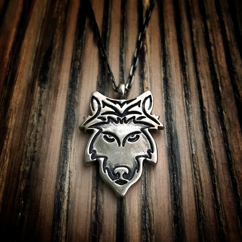 STRENGTH Loyal Wolf Necklace - Bronze