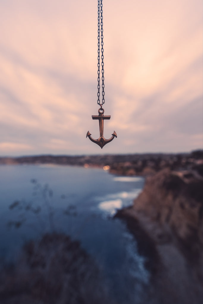 STRENGTH Hold Fast Anchor Necklace - Bronze