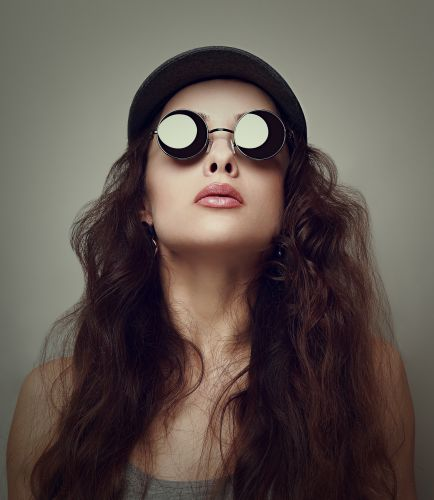 Woman Wearing Sunglasses | ISA Professional