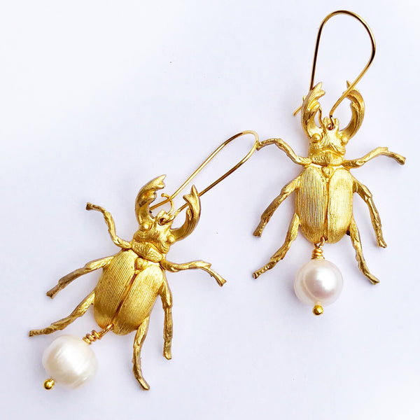 Valentine Viannay - Beetle with Freshwater Pearls Earrings