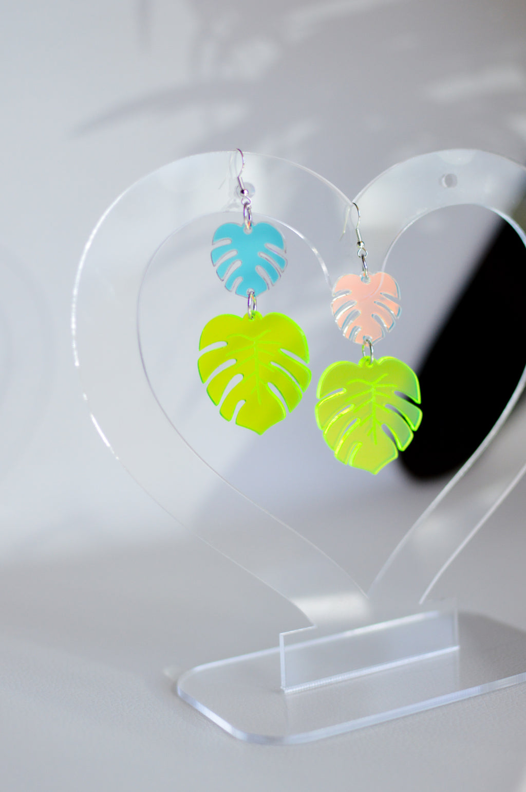 Monstera Earrings - Neon Green/Iridescent
