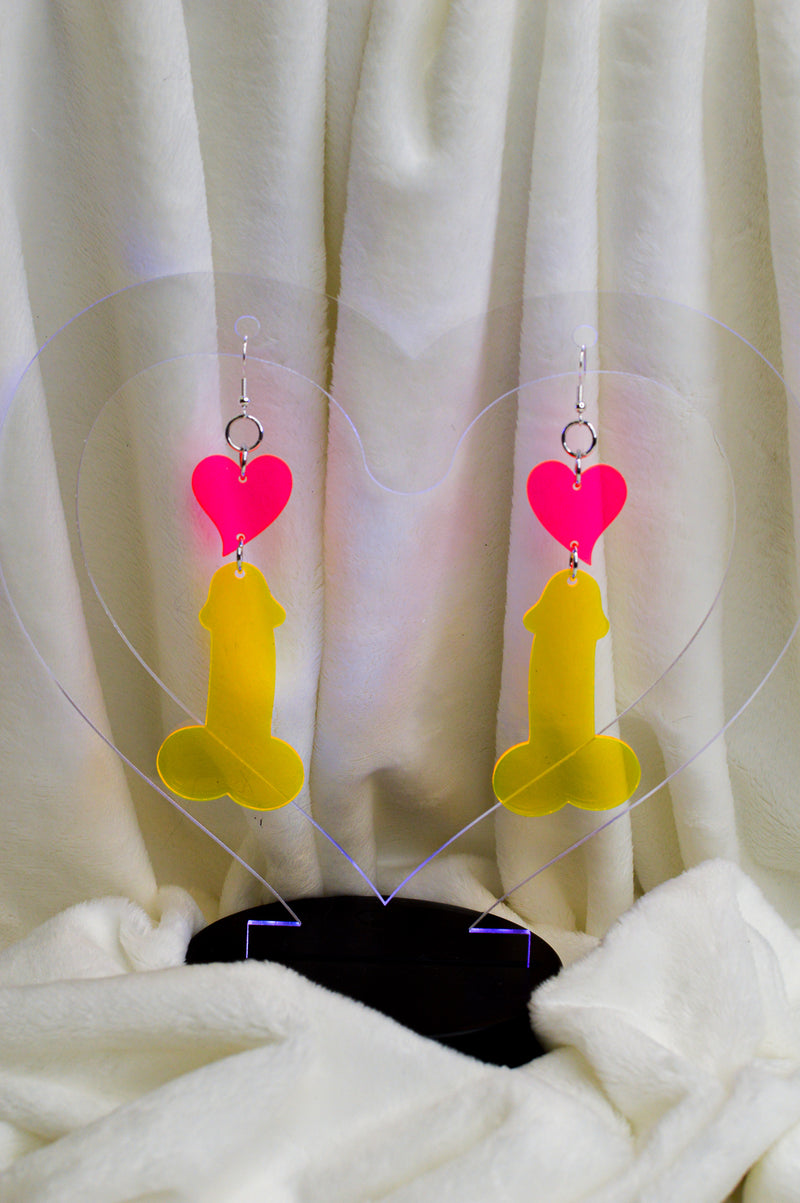 Love D Earrings - Yelow