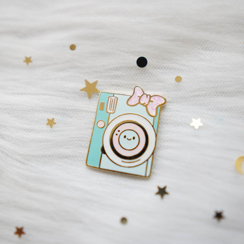 Pins : Mint Camera with Pink Bow //  Magnetic Backing