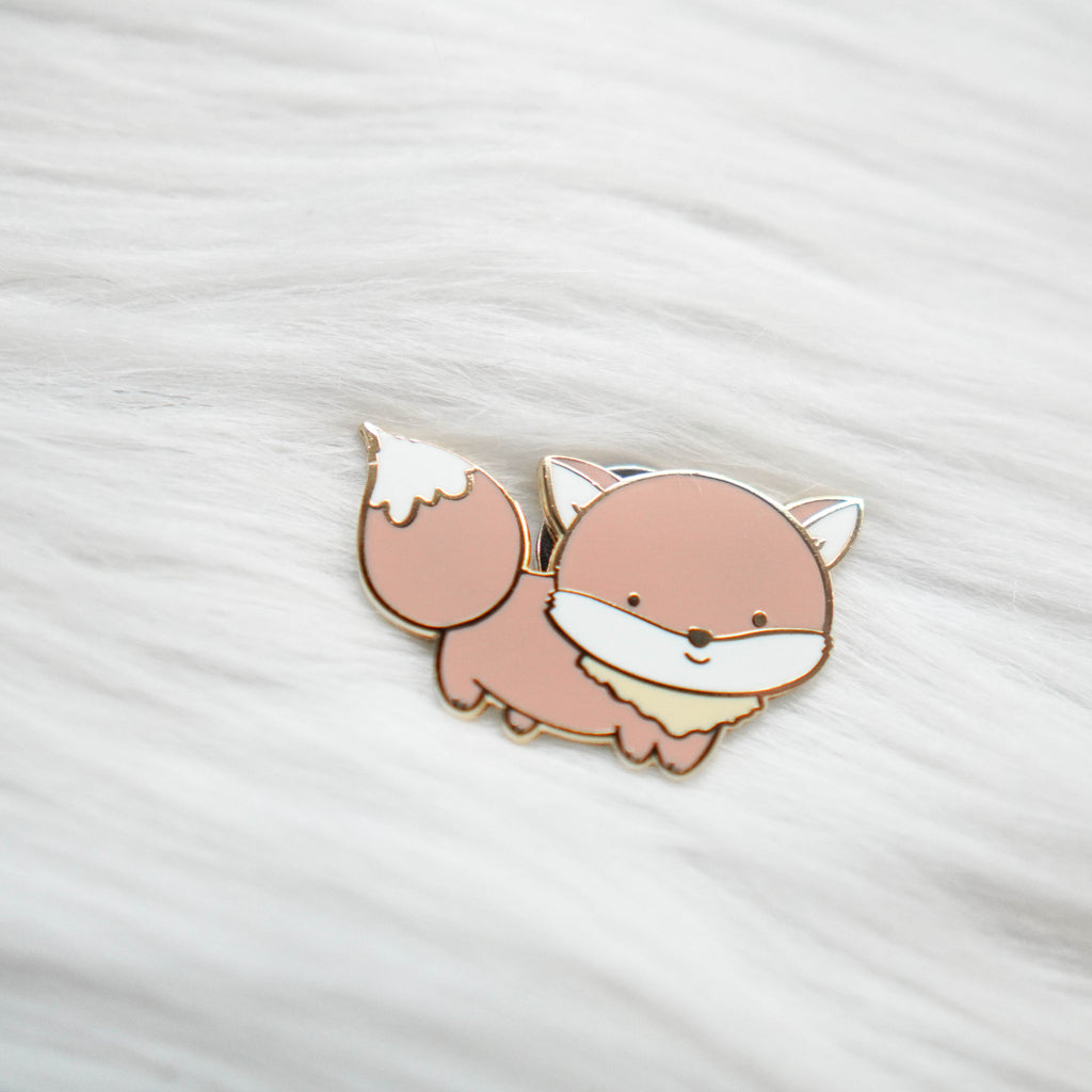 Pins : Warm & Fuzzy // Fox //  Magnetic Backing