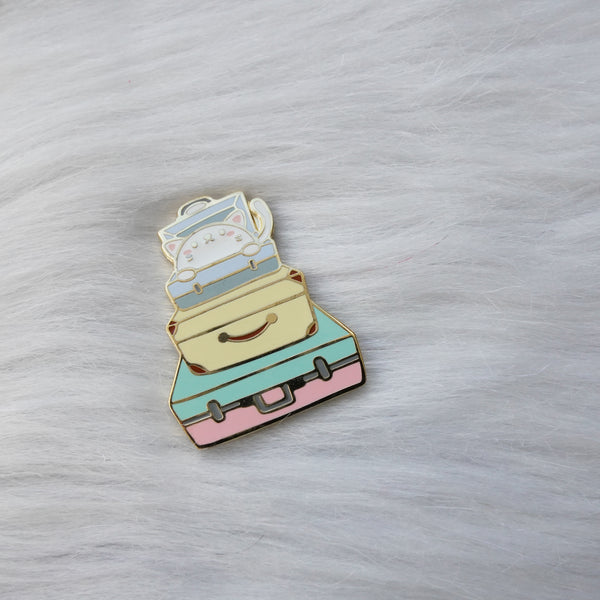 Pins :  Let's Go Travel // Stacked Luggage Kitty
