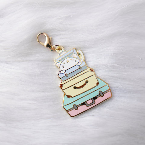 Dangling Charm : Let's Go Travel // Stacked Luggage Kitty