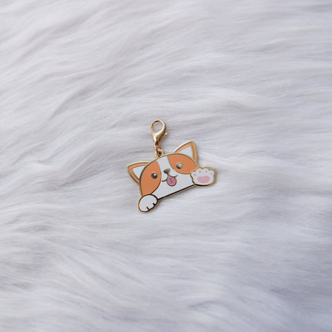Dangling Charm : Let's Go Travel // Peeking Dog