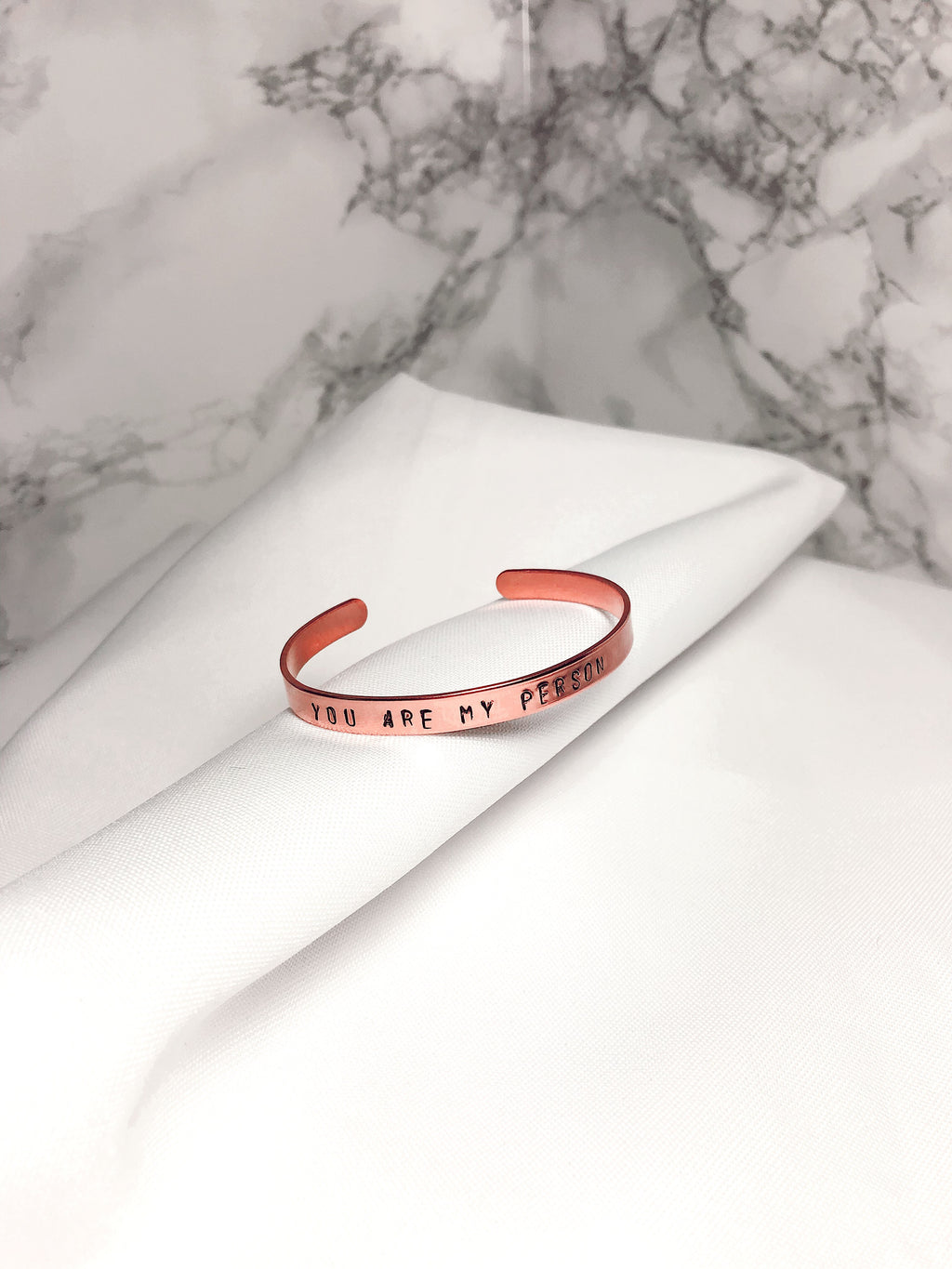 Bracciale personalizzato SLIM ROSA - font MINI - Wanderlust Factory ● Mobile Fashion Boutique