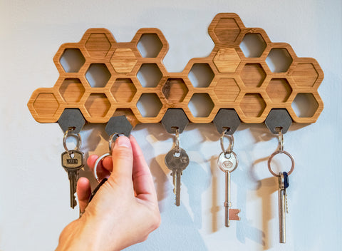 Strong magnetic key hook