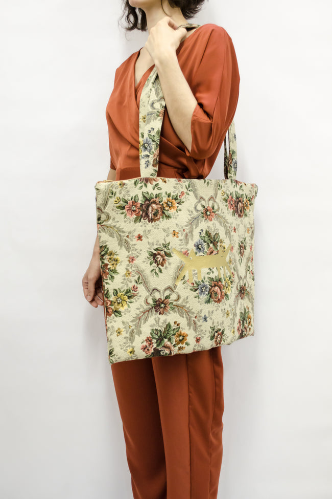 AM Tote Bag in Vintage Brocade Floral