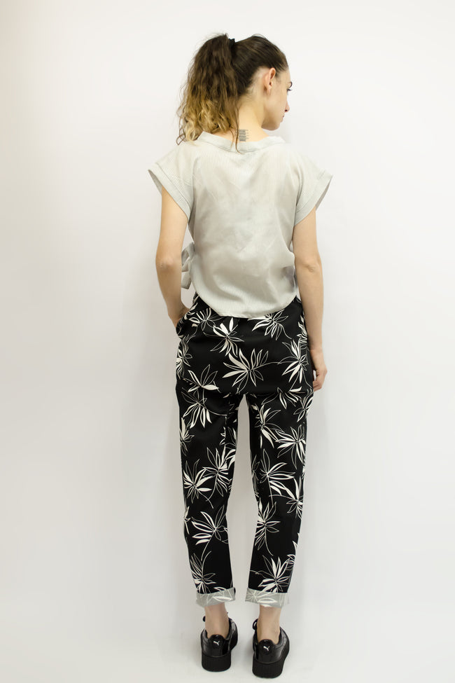 Trousers Pikatsu in Cotton Gabardine Black Floral