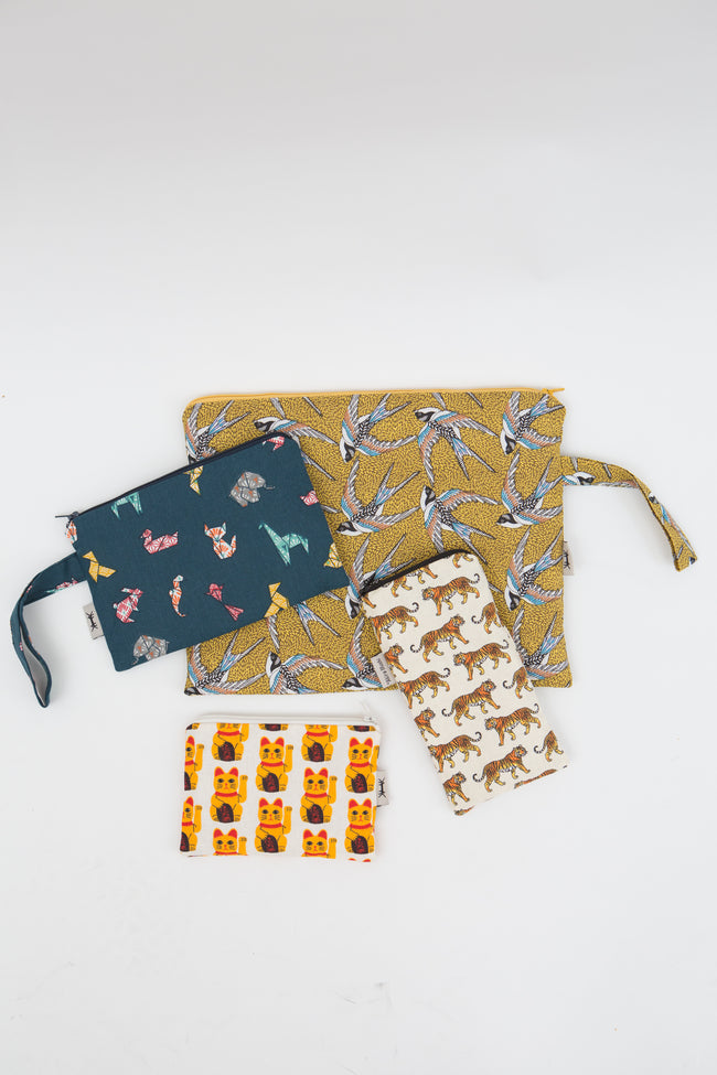 Sunglasses Pouch in Swallow Birds