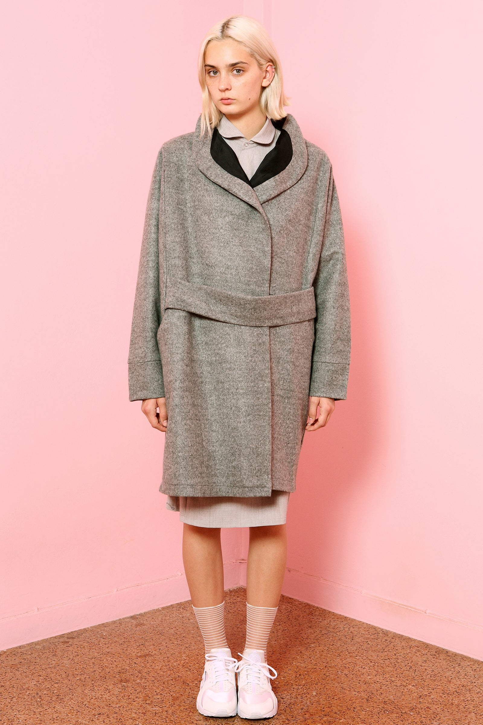 Coat Kuma in Light Grey