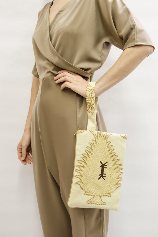 Pouch Big in Beige & Gold Print