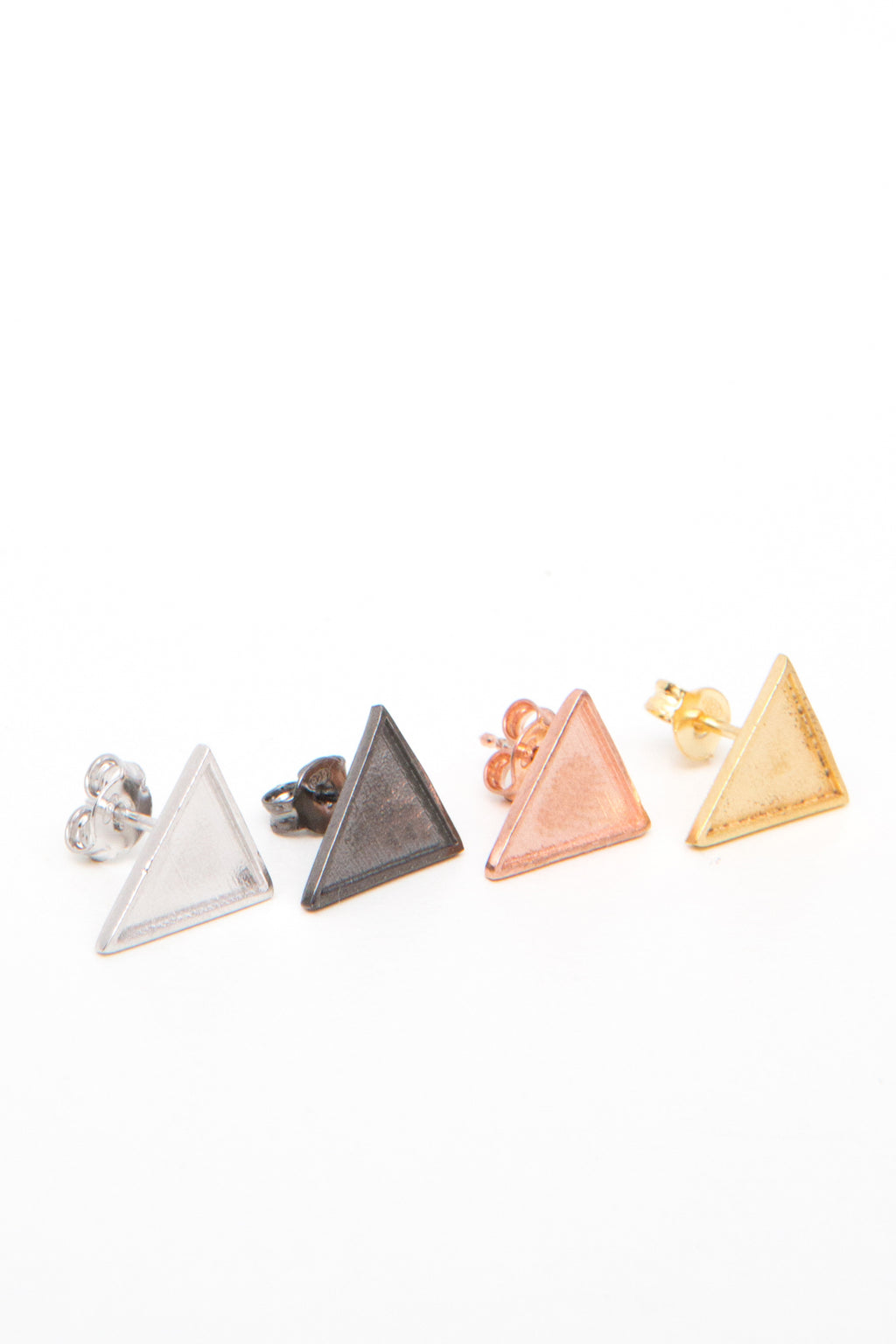 Earrings Triangle Flag Black Silver