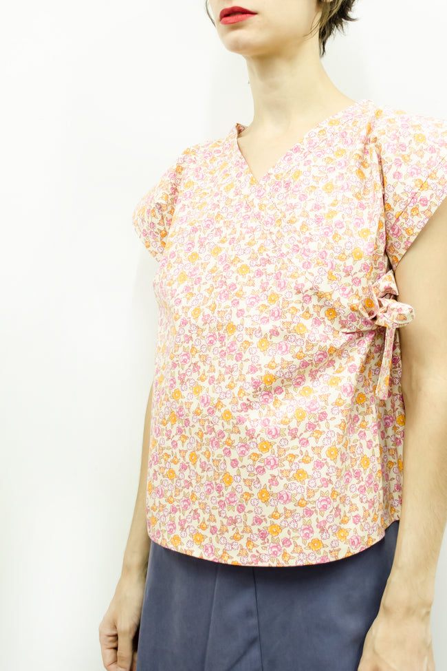 Top Suki in Floral Colors Cotton Poplin