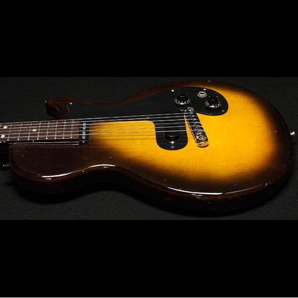 1959 Gibson Melody Maker 3/4 Sunburst - Garrett Park Guitars  - 5