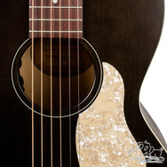 Art & Lutherie Roadhouse Faded Black A/E w/ Bag