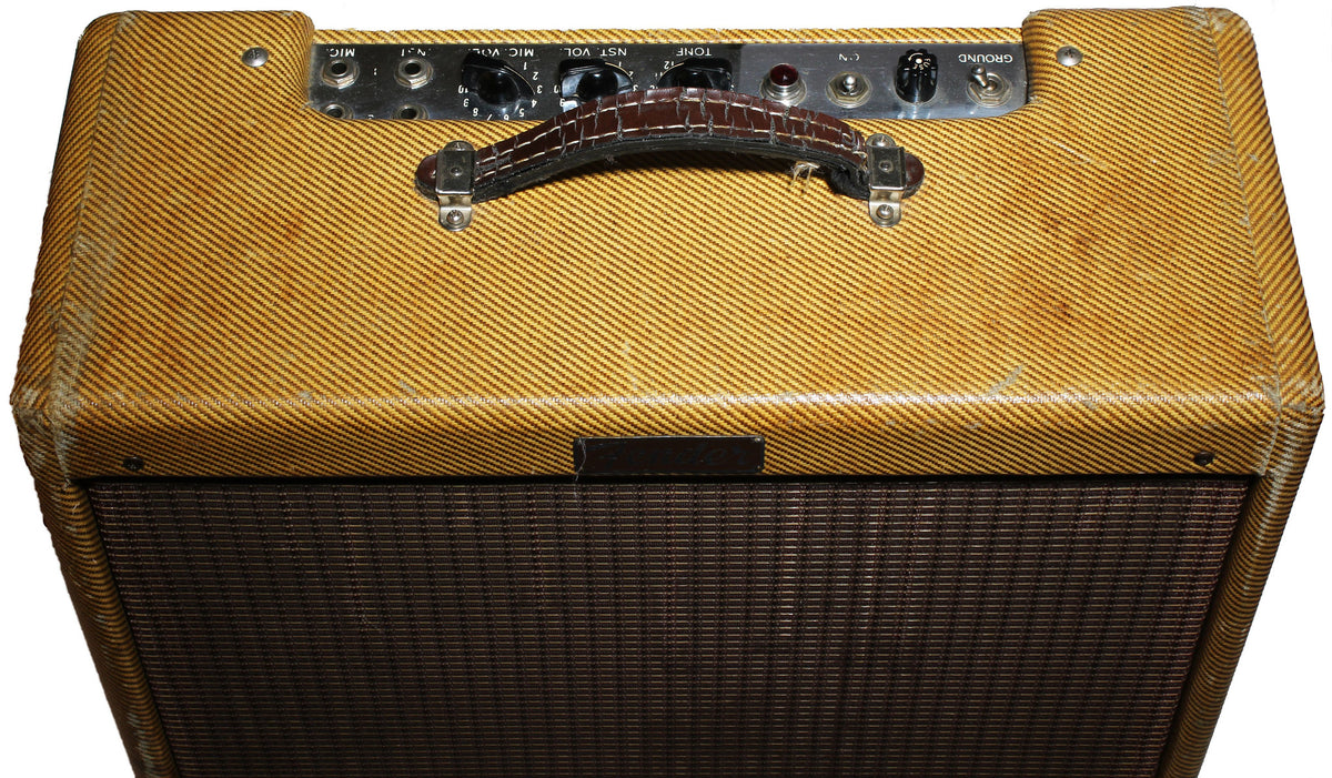 1956 Fender Deluxe Tweed Amp - Garrett Park Guitars  - 4