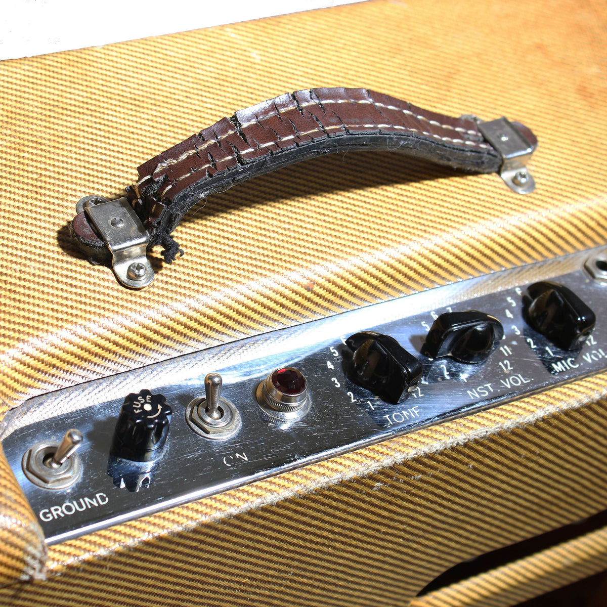 1956 Fender Deluxe Tweed Amp - Garrett Park Guitars  - 8