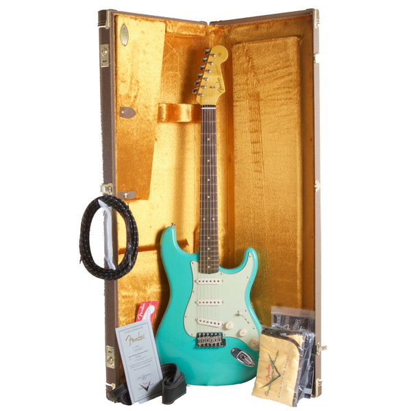 2015 Fender Custom Shop Rocking Dog '62 Stratocaster Sea Foam Green - Garrett Park Guitars  - 9